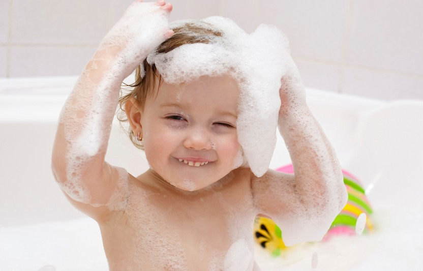 10 Fun Tub Time Activities for Babies and Toddlers