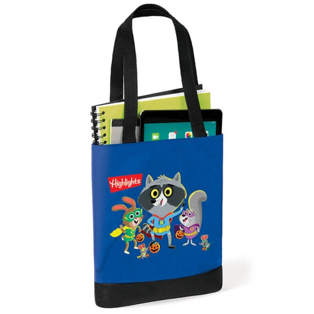 Raccoon tote bag holding books